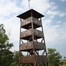 Pohod k razglednemu stolpu v Lispeszentadorjánu